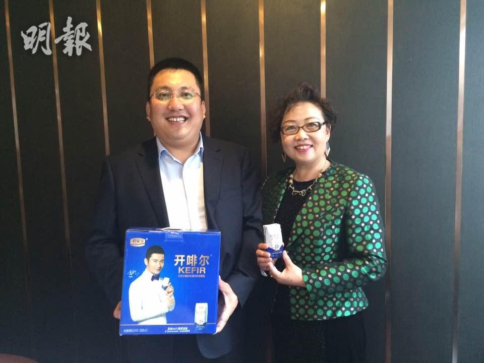 左起:君樂寶副總裁劉森淼、執總仲岩