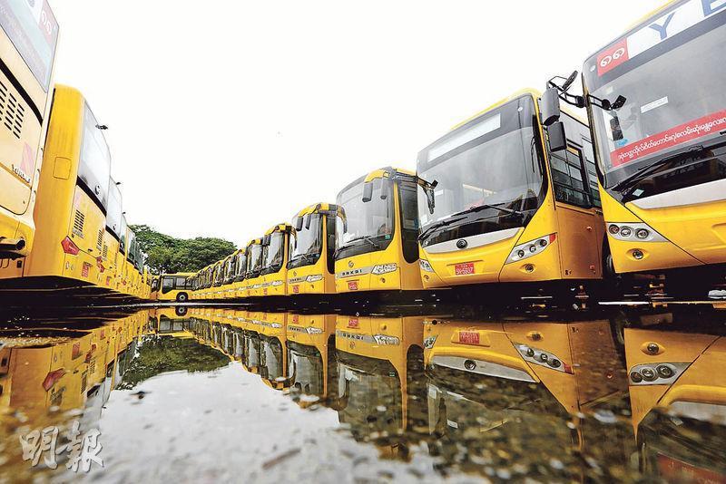 素姬政府近期推出的首個主要公共設施項目,便是從中國引進2000輛巴士。