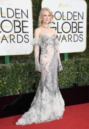 妮歌潔曼(Nicole Kidman)失落最佳女配角獎,但穿著Alexander McQueen晚裝,佩戴Fred Leighton珠寶的她,在打扮方面卻保持水準。