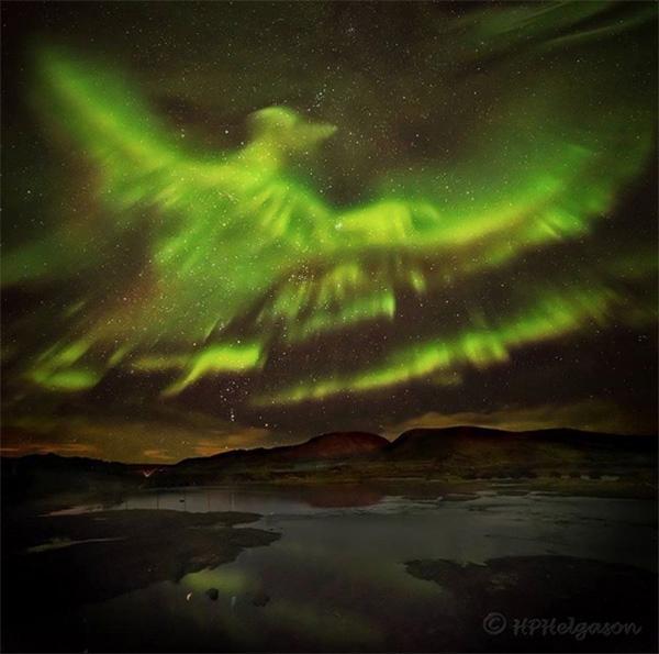 「鳳凰」北極光