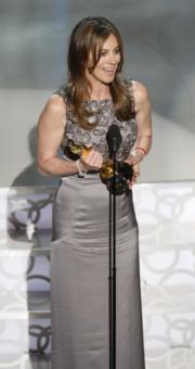 2010年,《拆彈雄心》嘉芙蓮碧格露成為歷來第4位女性獲提名最佳導演,並且是首名奪獎的女導演,寫下歷史新一頁。