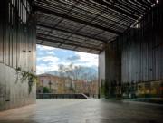 里拉劇院公共空間(La Lira Theatre Open Space)(普利茲克建築獎網站圖片/Hisao Suzuki)