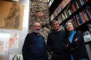 西班牙建築師阿蘭達(左起)、比拉爾塔和皮格姆,獲得有建築界諾貝爾之稱的普利茲克建築獎。(法新社)