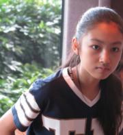 已長大成美少女的Ella,獲網民大讚她是最靚的星二代。