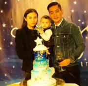 陳國坤、黃伊汶與陳真是型人家族。