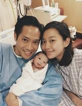 初出世的Luken識得搶爸爸郭永淳與媽咪Miki鏡了!