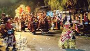 峇里印度教新年 除夕重頭戲  抬惡魔巡遊