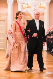 摩納哥親王阿爾貝二世(Prince Albert of Monaco)與丹麥儲妃瑪麗(Crown Princess Mary of Denmark)(法新社)