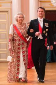 丹麥王儲Prince Frederik(右)與荷蘭公主貝婭特麗克絲(Princess Beatrix,即已退位的貝婭特麗克絲女王)(法新社)