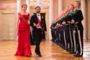 瑞典王子Prince Carl Philip(右)與比利時王后瑪蒂爾德(Queen Mathilde of Belgium,左)(法新社)