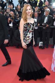 主競賽評審謝茜嘉翠絲頓在開幕禮選擇了Alexander McQueen作為戰衣。