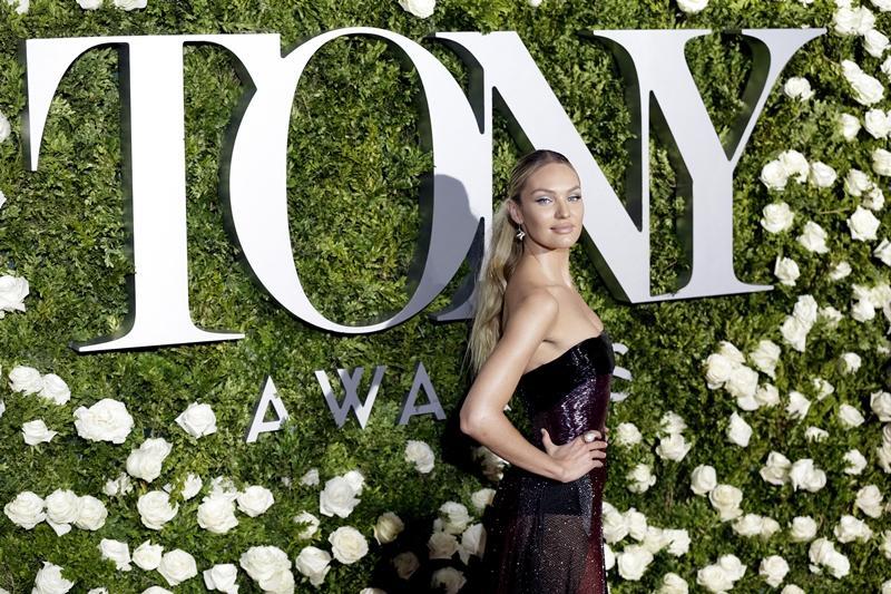 【Tony Awards】女星名模華麗撐場!紅地氈造型 Who.Wear.What