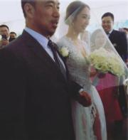 喜悅的新娘子。