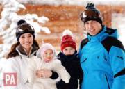 英國劍橋公爵伉儷威廉王子和凱特、喬治小王子、夏洛特小公主在法國阿爾卑斯山享受滑雪假期。(2016年3月7日The British Monarchy facebook圖片)