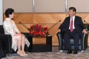 國家主席習近平(右)和特首林鄭月娥(左)。(2017年資料圖片)