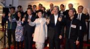 2016年4月,時任政務司司長林鄭月娥(前右三)及財爺曾俊華(前右二)同場睇戲。(資料圖片)