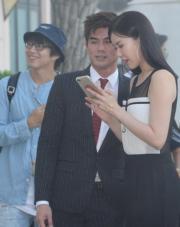 伍允龍與緋聞女友劉佩玥好好傾。