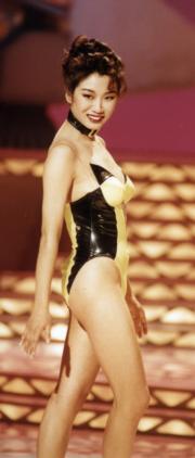 1993年港姐泳裝設計有時代感,圖為冠軍莫可欣。(資料圖片)