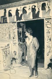 戴安娜到訪埃及,參觀Queen Nefertari之墓。該墓有約3000年歷史。(法新社資料圖片)