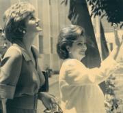 戴安娜(左)到訪埃及。(法新社資料圖片)