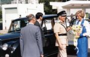 1989年11月9日,戴安娜(右)參觀警察訓練學校。(資料圖片)