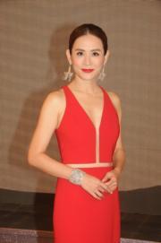 宣萱紅色晚裝超性感。