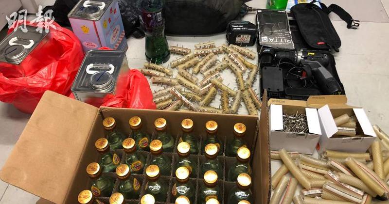 警天平邨拘12人包括6學生1教師 涉非法集結管有攻擊性武器