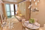 會德豐屯門掃管笏NAPA,昨首度開放示範單位,包括實用466方呎的2座8樓C室,單位採兩房設計。(馮凱鍵攝)