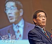 證監會主席唐家成(圖)表示,對於上市架構改革諮詢文件的回應持開放態度,適當時候會再作討論,但不急於下結論。(資料圖片)