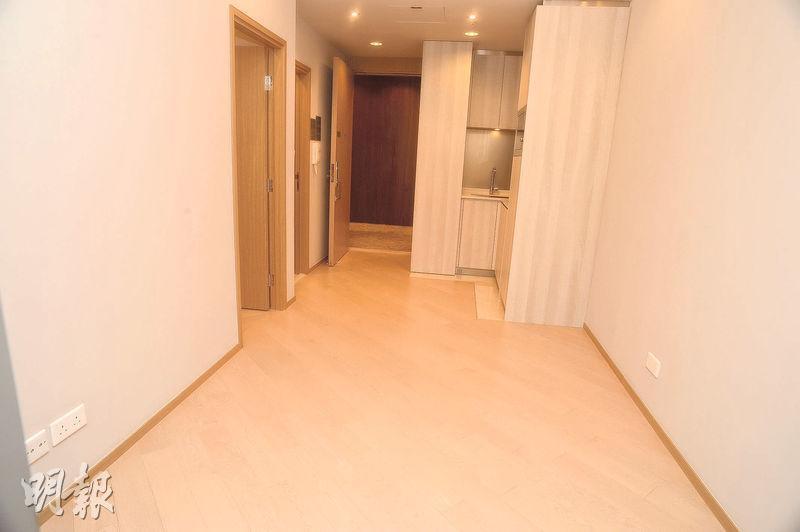 單位大廳採長形設計,並採開放式廚房,可騰出更多居住空間。