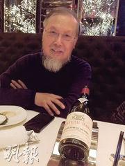 沾了師兄左丁山的光,受邀到麗思卡爾頓的天龍軒作客。多款紅酒都屬「價值連城」的陳年佳釀,其中一款是1998年的Château Rayas,與波爾多左岸一級酒莊一起依然出類拔萃。