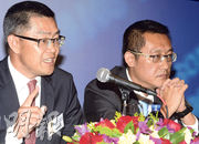 交銀國際董事長譚岳衡(左)數次強調,公司是一家「香港本土公司」,不同於已經上市的內地中資券商,亦是第一家銀行體系證券公司上市。(劉焌陶攝)