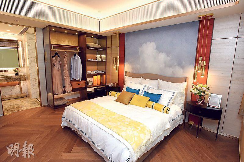 主人套房預留空間放置衣櫃,坐向與大廳一致,同樣可享海景。
