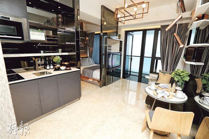18樓C室——喜遇示範單位以18樓C室為藍本,實用面積285方呎,客飯廳面積逾100方呎,全屋以時尚風格打造。