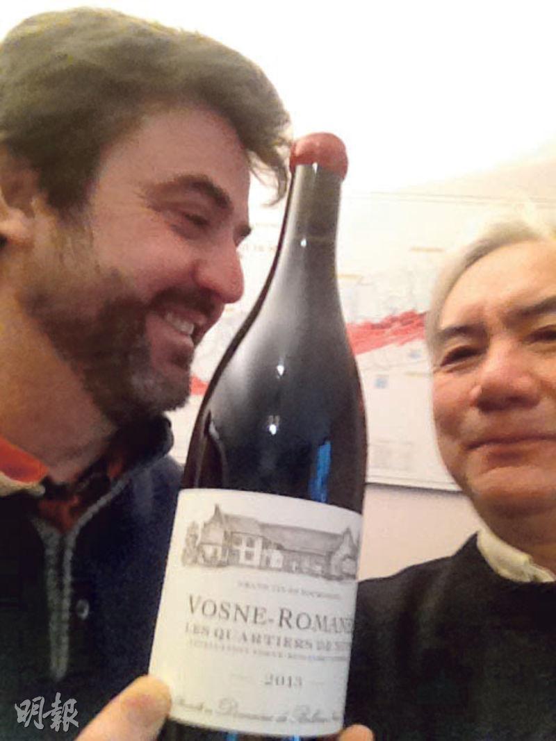 Nicolas Potel(左)釀造Vosne-Romanee村酒的葡萄園叫Les Quartiers de Nuits,緊挨着頂級園Echezeaux和Clos de Vougeot,三分之一公頃的葡萄園年產只有1600瓶。