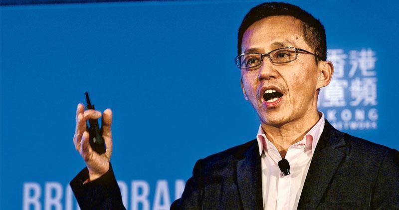 香港寬頻行政總裁楊主光(圖)表示,要搶攻香港電訊的客戶,不會暫停價格戰術,月費甚至可能進一步下調。(資料圖片)