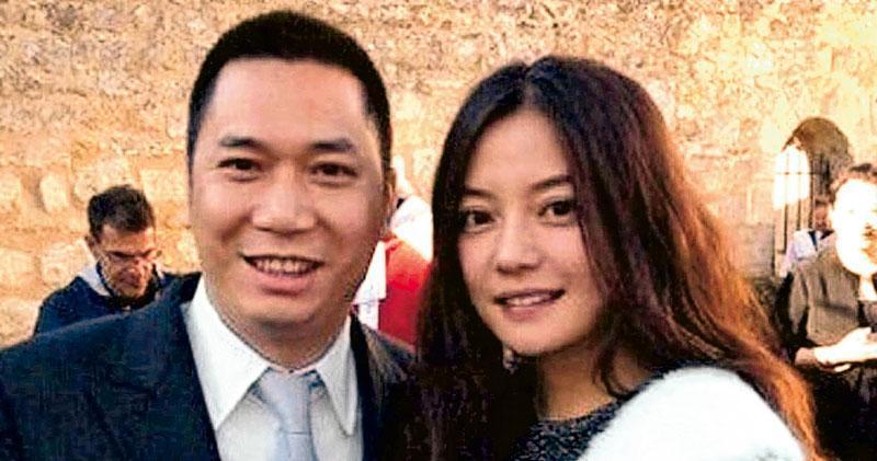 趙薇(右)丈夫黃有龍(左)的新生意伙伴,相信為尼泊爾首富Binord Chaudhary的兒子、Chaudhary Group董事Rahul Chaudhary。(資料圖片)