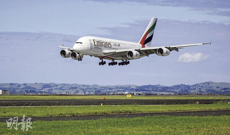 阿聯酋航空是空巴A380最大買家,圖為阿聯酋的A380客機。