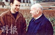 這張歷史性照片相信喜歡勃艮第紅酒的人都可能見過。現莊主Jean-Nicolas Méo(左)和已故勃艮第酒神Henri Jayer(右)在Clos de Vougeot古堡合影。