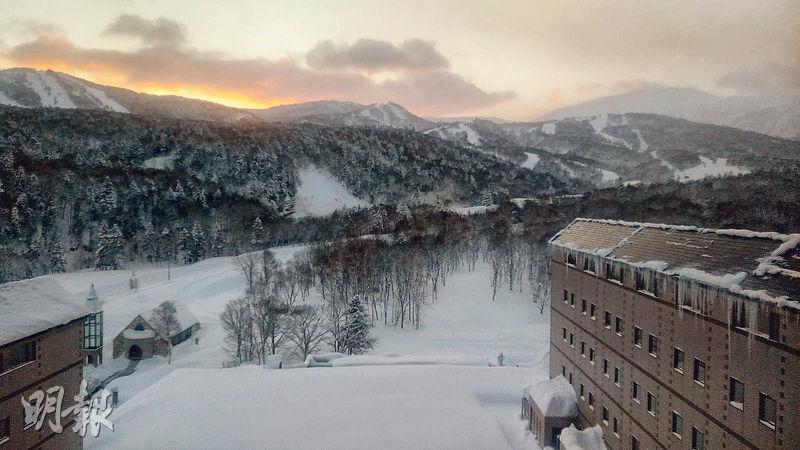 林裕兒表示,Kiroro是北海道的隱世休閒聖地,讓人可以體驗一種截然不同的生活方式。圖為Kiroro Resort。(葉創成攝)