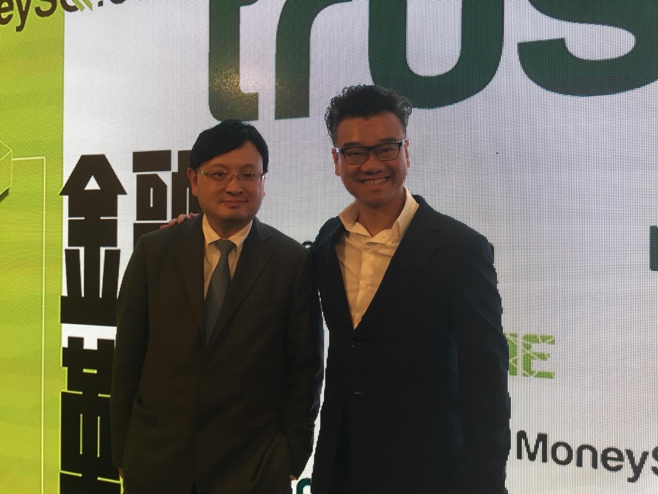 (右)創辦人兼行政總裁李根泰,(左)金融科技總監楊偉強