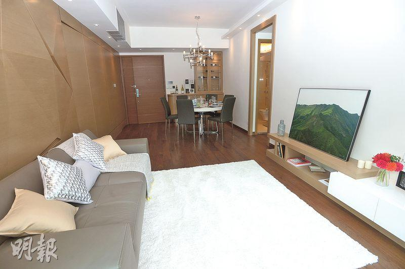 另一示範單位為12樓B室,實用面積1130方呎,採3房1套間隔,大廳採長方形設計,室內光線充足。(楊柏賢攝)