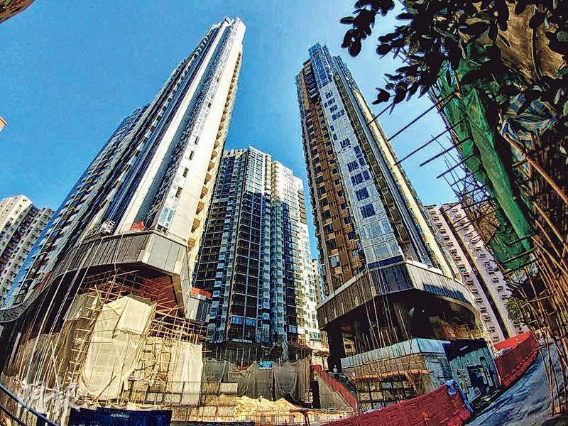 新世界發展的柏蔚山位處北角繼園街1號,提供611伙,實用面積由519方呎1房單位起,並屬舊契項目,預計今年9月落成。(資料圖片)