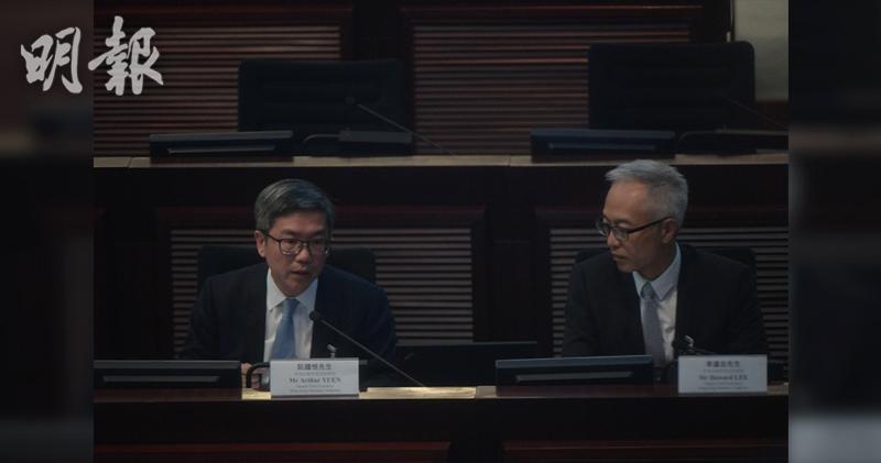 金管局副總裁阮國恒(左) 鄧宗弘攝