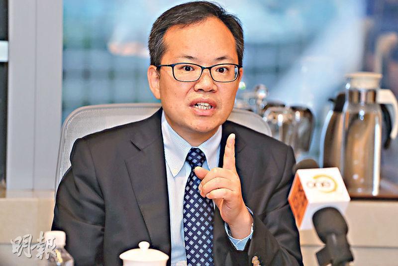 興業銀行首席經濟學家魯政委(圖)認為,目前中國經濟見放緩,但仍然在中央可容忍的程度。(李紹昌攝)