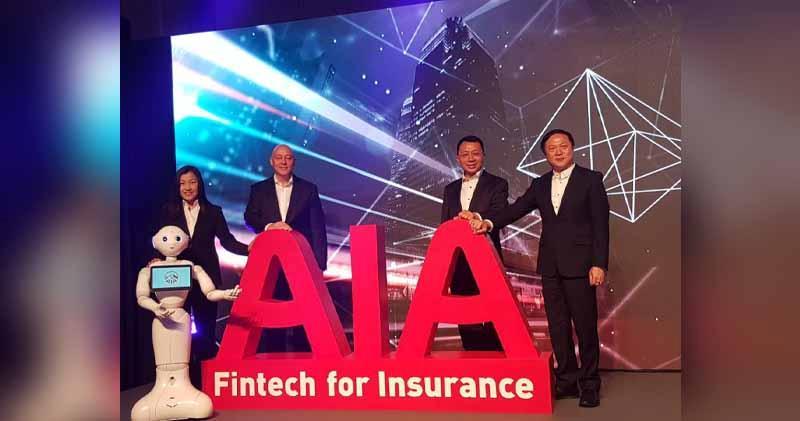 左一:友邦香港及澳門企業業務、策略及財富管理總經理謝佩蘭;右一:首席科技及營運官葉文傑;右二:首席營業總監詹振聲