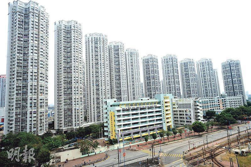 樓市再創新高,其中天水圍嘉湖山莊呎價一日兩度破頂,有2房戶呎價逼近1.3萬元,創屋苑新高。(資料圖片)