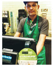 電競品牌雷蛇昨日宣布,與成功集團在馬來西亞推出電子錢包Razer Pay,接入約6000間主要零售及餐飲商戶,包括咖啡店星巴克(圖)及便利店等。