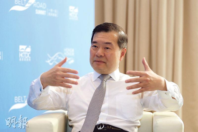 現時擔任11家上市公司獨立董事的林家禮表示,他擔任公司獨董的數目正不斷減少,在退任獨董時,會協助董事會尋找合適人選,幫助公司在交接期間的管治不會出現問題。(郭慶輝攝)