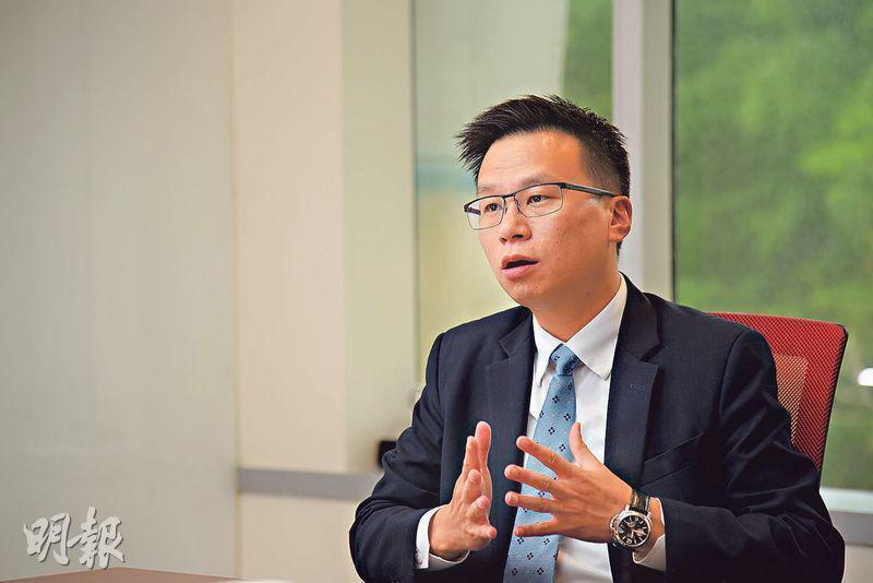 友邦香港及澳門首席財富管理總監張嘉駒稱,投連險的賣點是平均成本投資法,特別吸引年輕一代及初出茅廬的打工一族,適合既想買保險傍身、又想在投資市場分一杯羹的投資者。(黃志東攝)